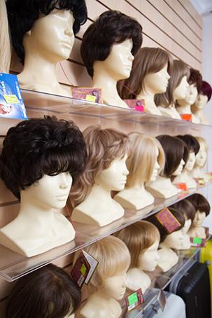 Купить парик из искусственных волос от 1000 руб. | LaNord.ru